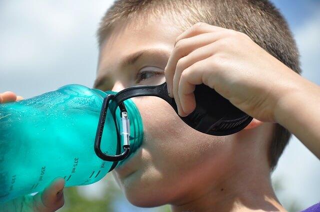 水素水に若返る効果はあるのか 水素水のホントのところ