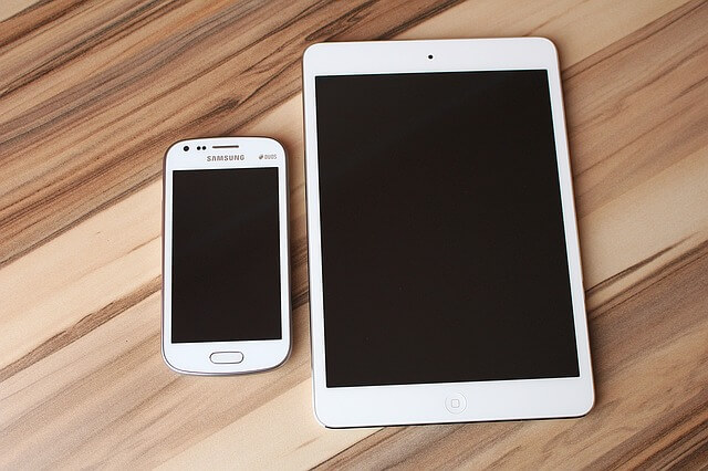 スマートフォンとタブレットの写真